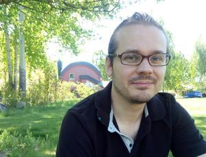 Patrik Berglund från Nykvarn. Spelade Ruzzle mot Björn Ranelid och fick med ett ord i hans bok