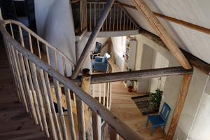 Träräcket på övervåningen har sin alldeles egna karaktär.