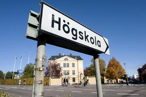 Högskolan i Skövde testar digitala tentor som i stort ska motsvara  en vanlig salstenta vad gäller rättssäkerhet. Vid höstterminens första tentavecka får studenter på några kurser testa den i ett pilotprojekt.