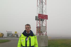 Peter Fahlén, chef på Åre Östersund airport, hoppas att bättre banljus på flygplatsen ska göra att problemen med dimman undviks nästa höst.