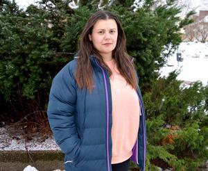 Blerta Krenzi, ordförande i miljö- och byggnadsnämnden säger att nämnden förstod att beslutet om att inte bevilja bygglov skulle vara nedslående för Jysk. Men hon menar att beslutet inte gäller specifikt för Jysk, utan alla butiker vid Dalahästen.