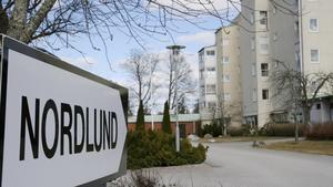 Nordlunds gruppboende får ännu en gång underkänt av Arbetsmiljöverket. Efter ett år har verksamheten ännu ingen plan för att komma tillrätta med brister i arbetsmiljön.