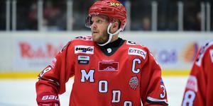 Modo Hockeys lagkapten Tobias Enström är magsjuk och missar matchen mot Vita Hästen. Bild: Robbin Norgren
