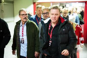 Christer Sehlstedt, Peter Toresson och Daniel Cassselståhl på väg till middagen.