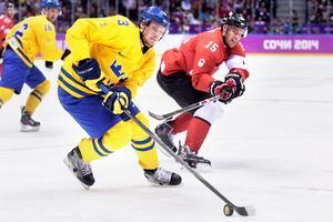 En av de svenska backarna i OS i Sotji var Oliver Ekman Larsson, som fick ett nytt silver i samlingen. Bild: Joel Marklund/Bildbyrån