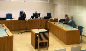 Häktningsförhandlingen hålls i Gävle tingsrätt. Lars Ståhlberg är den misstänkte mannens försvarare.
