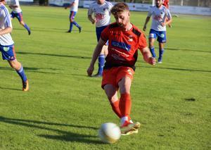 Sam Alderson står ofta för stabila insatser i YIK-tröjan. Mot Bollnäs fick han dundra in bollen i nät till 3-0 vilket var den definitiva spiken i kistan för gästerna.