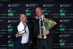 EY Entrepreneur of the year 2017: Per-Olof Andersson AQ Group AB (till höger), här tillsammans med Claes Mellgren i Blå hallen. Andersson och Mellgren är de två grundarna till AQ Group. Foto: Teodor Axlund