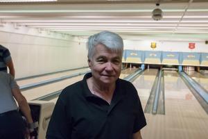 Göran Näslund hoppas att någon är villig att köpa hallen – annars kommer Härnösand stå utan bowlinghall till sommaren.