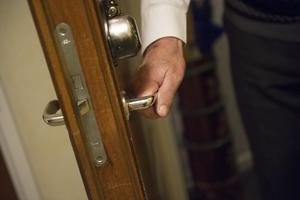 Varför inte hjälpa någon äldre granne med vardagssysslor, föreslår signaturen