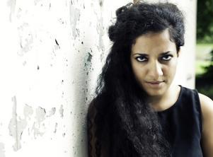 Athena Farrokhzad lever inte upp till förväntningarna, enligt vår kritiker. Bild: Carla Orrego Veliz