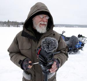 Hasse Bergman från Sikås förevigade bygget med sin kamera. Filmen ska så småningom bli en tv-serie om flottbygget.