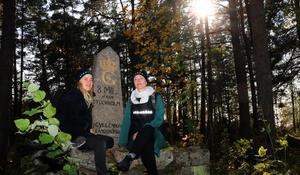 Sara Lindström och Helena Lambert tycker om skogspartiet i det område som utforskas i Stadsröras nya projekt.
