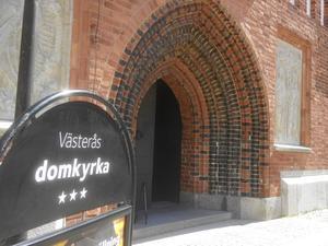 Magnus Nystedt (C) vill att Svenska kyrkan ska stärkas som en öppen folkkyrka.