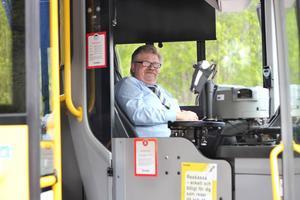 Hasse Davidsson är busschauffören som körde en sjuk man som satt på hans buss till sjukhuset.