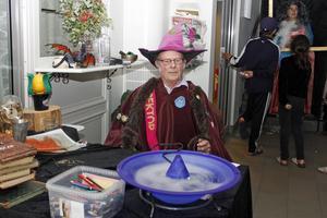 Som tur var hade rektor Aldus Dumbledore återfunnits lagom till årets Harry Potter-dag.