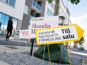 Många har inte råd att köpa en egen bostad utan hjälp från föräldrar eller släktingar.Bild: Fredrik Sandberg/TT