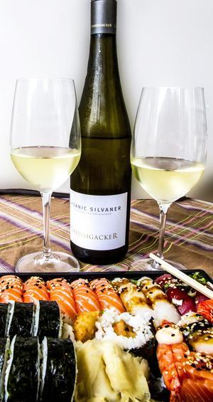 Dreissigacker Organic Silvaner är ett utsökt sushivin. Och priset är överraskande lågt. Bild: Sune Liljevall