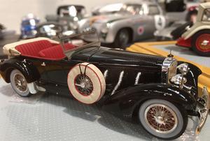 Här en tjusig Mercedes Benz 700 SS, 1928.