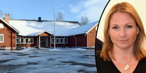 Monica Lundin (L), nämndsordförande, berättar att Idkerbergets skola får leva kvar även under höstterminen, enligt det senaste förslaget.