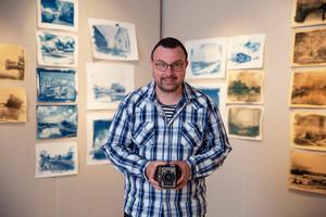 Ronnie Svenblad med sin kamera Kodak