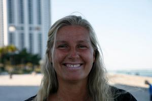 Karin Lorenz kunde inte tro sina ögon när hon hittade en mobiltelefon i sitt pastapaket. Bild: Privat