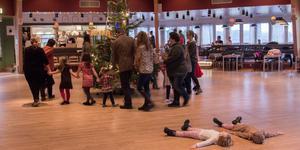 På trettondedag jul dansade man ut julen i Folkets Park Skinnskatteberg.