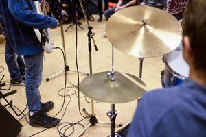 Konkurrensen om musikelever på gymnasiet har hårdnat. Nystartade Rytmus i Borlänge lockar nu elever från musikestetiska programmet på Lugnetgymnasiet. Foto: Henrik Montgomery, TT