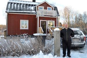 Sten Apslund i Härnösand har anmält IP Only till ARN sedan han fått vänta i fyra år på deras bredbandsuppkoppling.