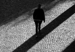 Skribenten berättar hur det är att lida av social ångest. Hur det lamslår ens sociala liv. Foto Hasse Holmberg / Scanpix