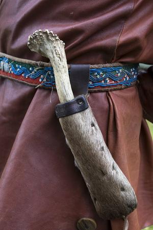 Nästan alla scenkläder är sydda av Arnljotföreningen.