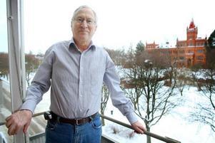 Vy över ny stad. Redan på 1960-talet när Henrik Olofsson passaerade Gävle under sina arbetsresor gillade han staden. Nu har han och frun sålt i villan i Umeå och flyttat till en lägenhet på Söder.