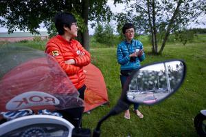 Tipi Jun Yu Choi och Chae Yun Kim tog sig till Örnsköldsvik och Norrland för att uppleva Höga Kusten och midnattssolen.