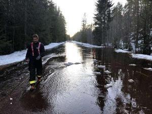 Foto: Räddningstjänsten Mora-Orsa.Under helgen bildade en ispropp kraftiga översvämningar i området kring Våmhus.