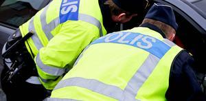 Polisen fick rycka ut till Vanstaskolan i onsdags efter att man hade hittat en haschgömma utanför skolans idrottshall.