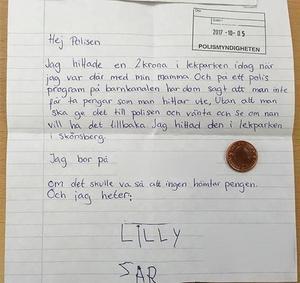 Brevet som Lilly Nilsson och hennes mamma Linda skickade till polisen tillsammans med myntet. Bild: Polisen