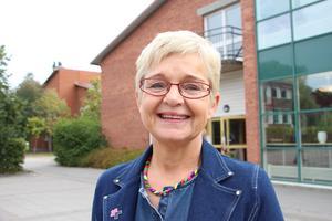 Monica Green, ordförande i UN Women Skaraborg, välkomnar till välgörenhetslopp.