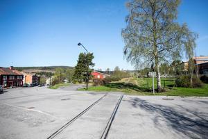 Järnvägsspåret minner om Järpens industrihistoria.