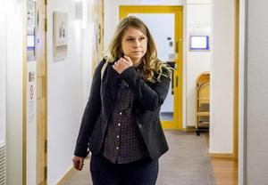 Kammaråklagare Marlene Forsman har väckt åtal för grov stöld mot en person som jobbade inom hemtjänsten.