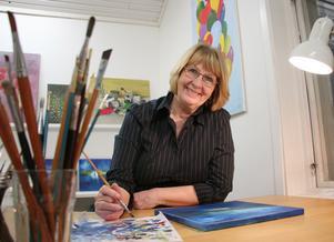 Marita föredrar att måla med olja och hon gillar färggranna tavlor. Hon använder gärna blåa toner.