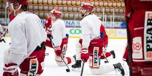 Ludvig Rensfeldt och spelarna i Timrå IK har laddat i två veckor sedan grundserien tog slut. Nu är kvalet här.