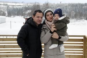 När familjen hade varit till Ankara för att besöka svenska ambassaden, blev de rånade på hemvägen av vägpirater.