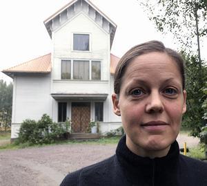 KAI-EN har arbetat i Dansplats Skogs lokaler i Stråtjära under en vecka. Hennes koreografi Lineage kommer att ha premiär i Stockholm framöver och kanske kan det också visas i Gävleborg.