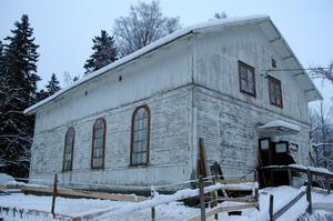 ANRIKT. Det som i dag skvallrar om att stallet är ett gammalt missionshus är fönstren.