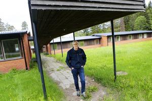 Det tänkte seniorboendet i Bräcke ligger utanför samhället, långt från serviceinrättningar och nöjen. Jan Nääs tycker  att en mer central plats för boendet skulle underlätta för de äldre.