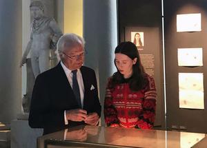 Kung Carl XVI Gustaf besökte teckningsutställningen