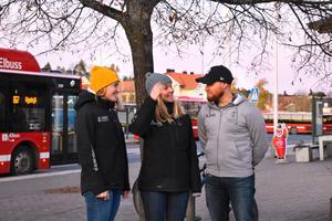 Fältsamordnarna Carolina Schwiler, Maria Nyström och David Isaksson jobbar för en ökad trygghet bland kommunens ungdomar.