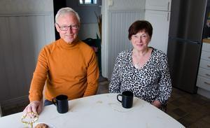 Varje dag när Carina jobbat färdigt har Tord kaffet klart så de kan fika tillsammans.
