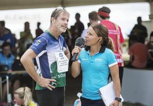 O-Ringens reporter, den före detta skidskytten Sofia Domeij intervjuar Jacob Hård direkt efter målgång av torsdagens etapp.
