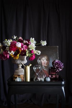 Botanisk barock är en av de trender som Formex presenterar. Blomsterbuketterna får gärna vara storslagna och blandas med konstgjorda växter.Foto: Formex